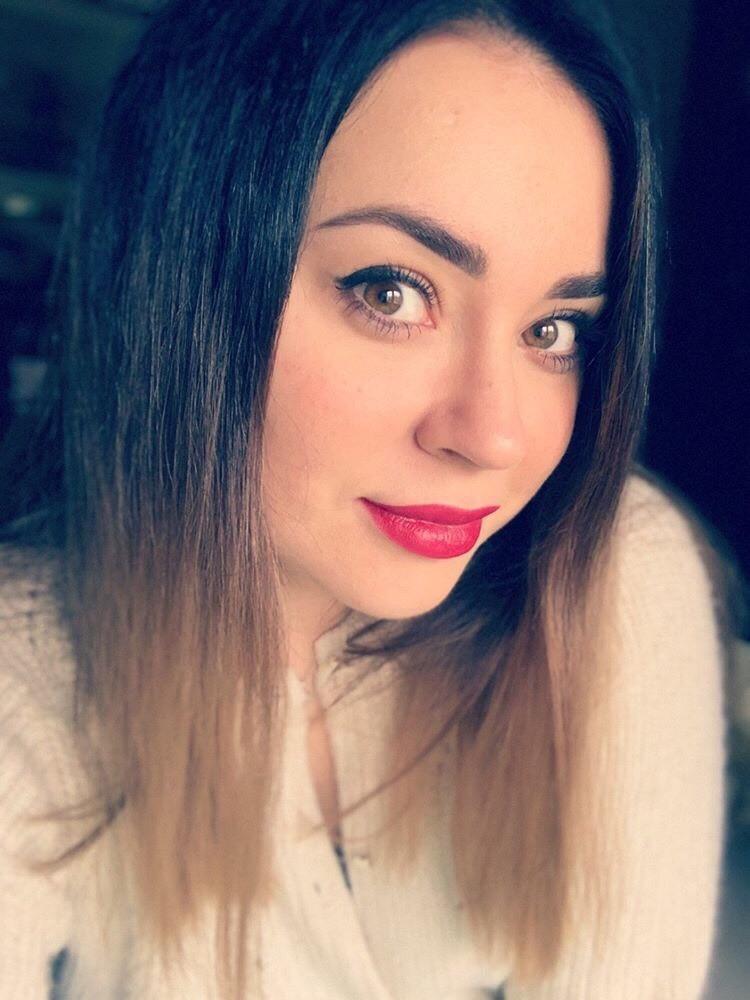 Nika Lo
